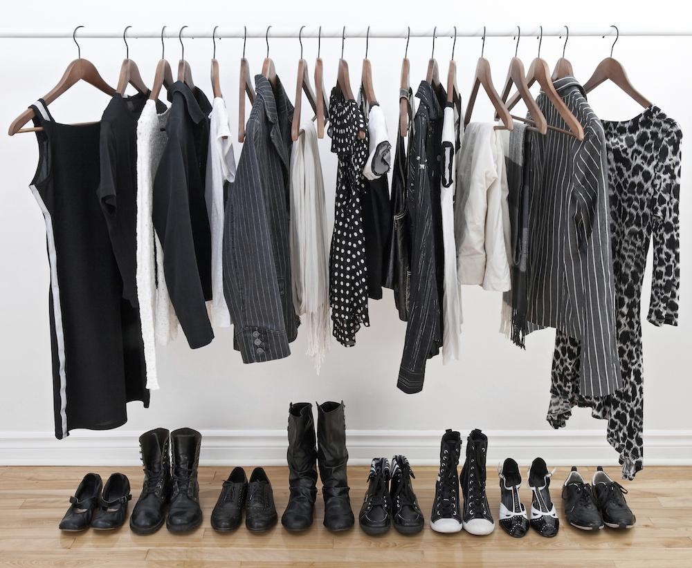 Světu vládne minimalismus. Zredukujte svůj šatník na minimum!