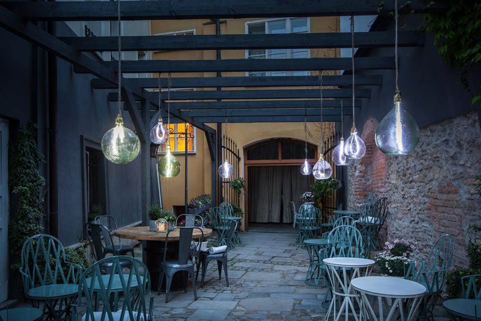 3 zapadlé pražské kavárny, které si zamilujete