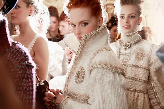 Zákulisí módní přehlídky Chanel (4)