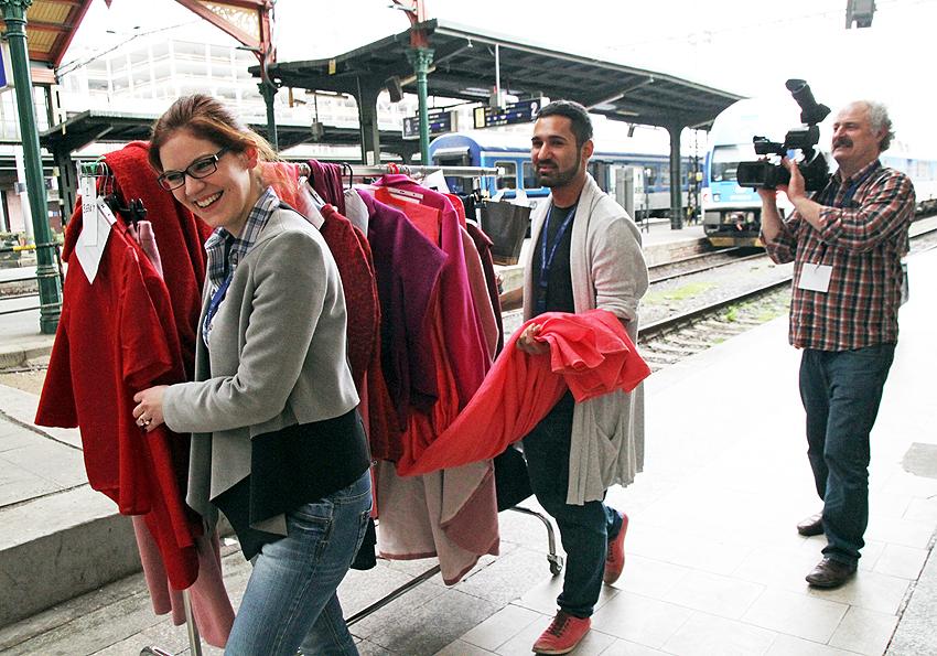 Pavel Berky veze svoji kolekci z backstage do stanu u mola