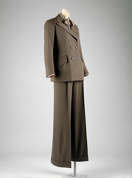 Další kostýmek od YSL, tentokrát z roku 1970