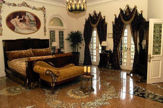 Versace house (1)