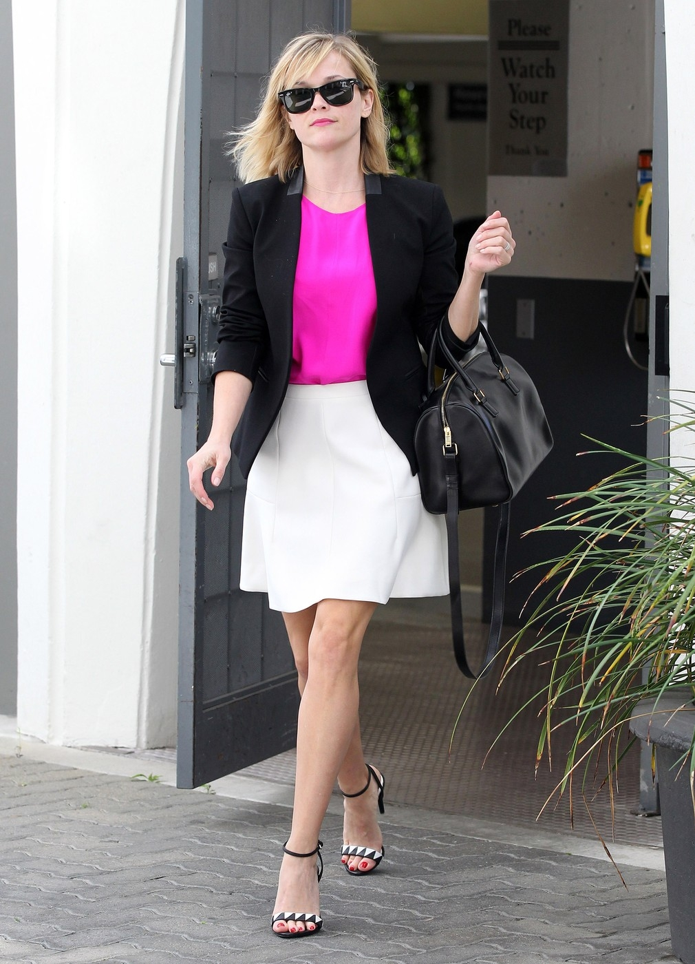 Reese Witherspoon Steps Out In Beverly Hills