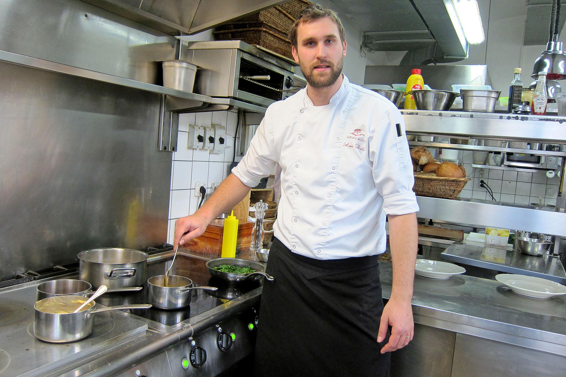 Kuchyni velí šéfkuchař Honza Štěrba
