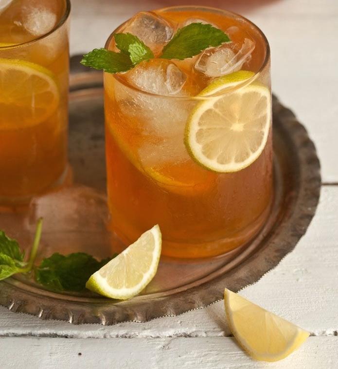 Osvěžte se domácím ledovým čajem