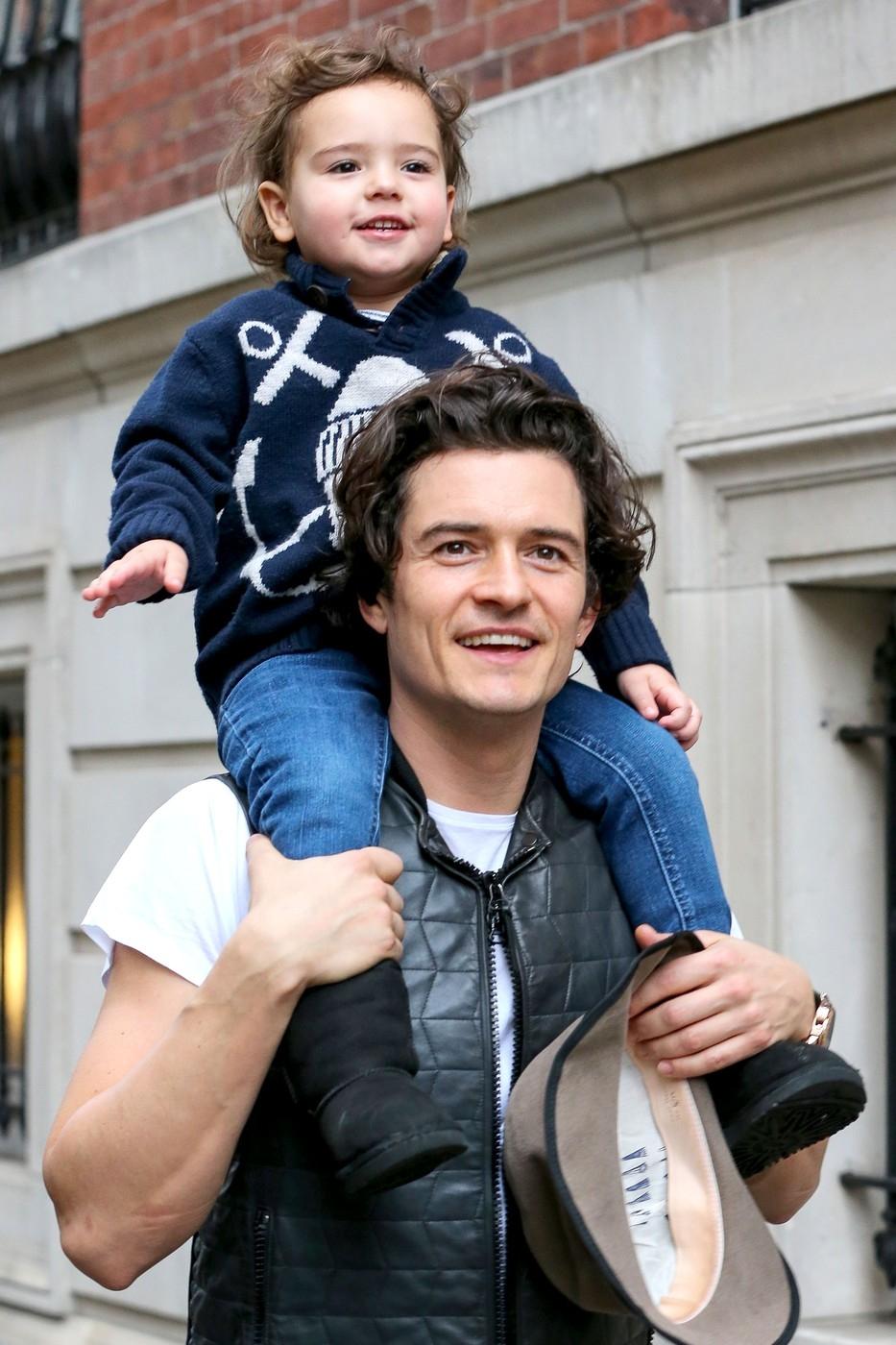 Orlando Bloom se synem Flynnem