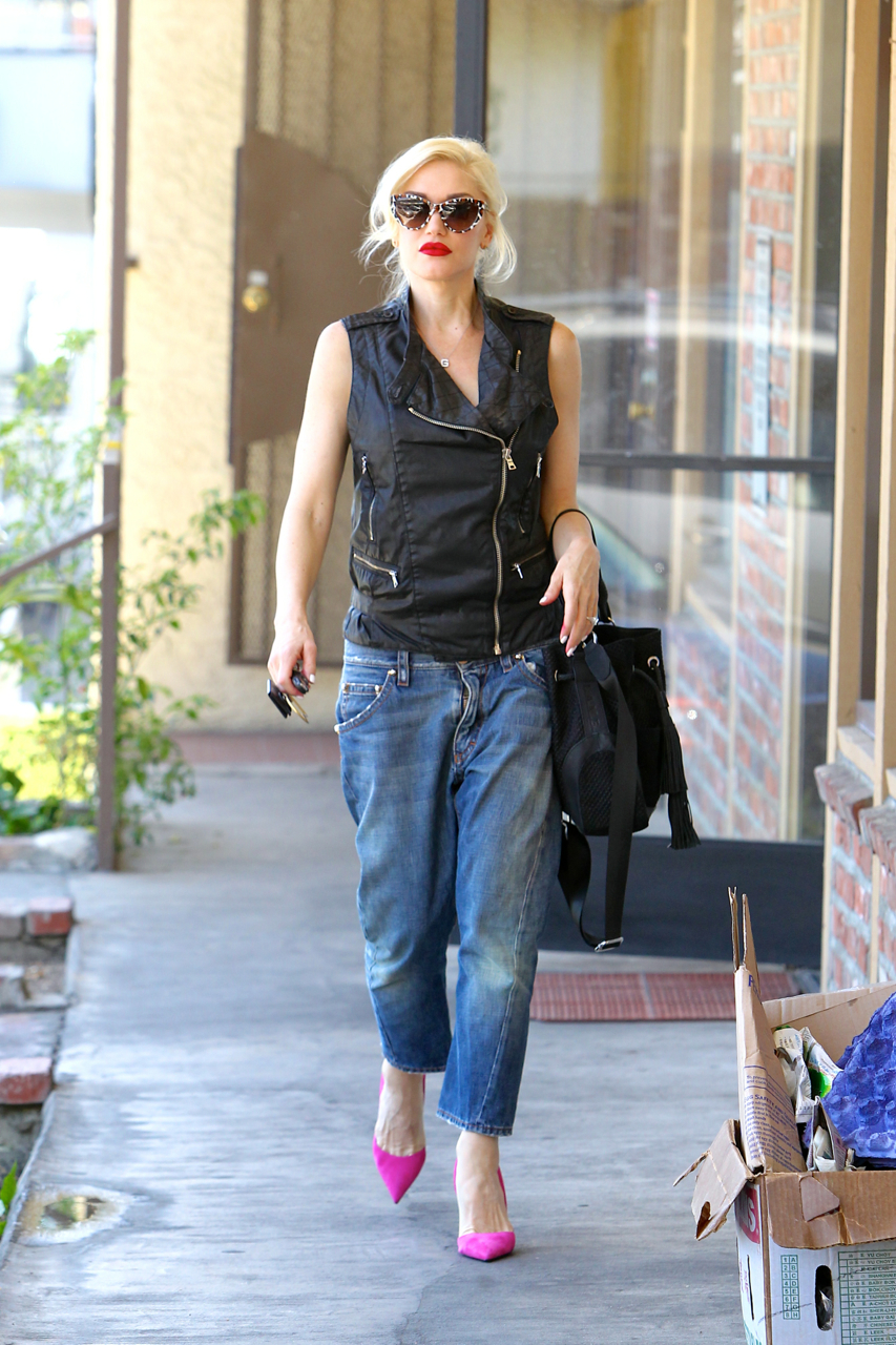 Gwen Stefani Goes For A Massage Today