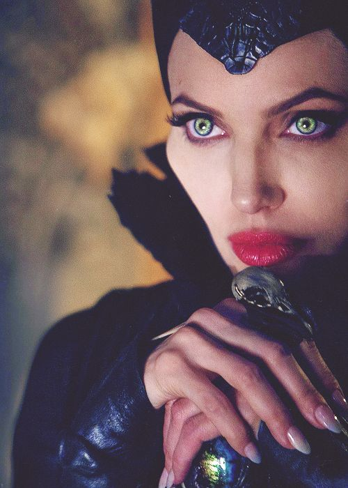 http://www.iconiq.cz/wp-content/uploads/2014/06/Maleficent4.jpg