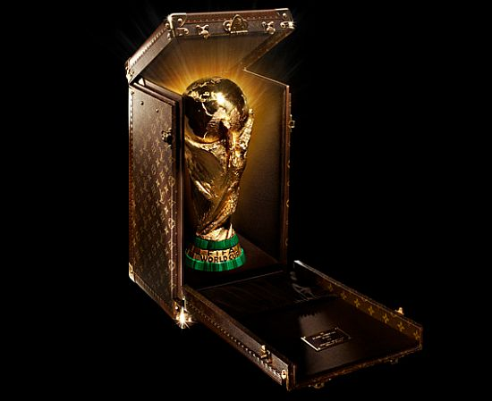 louis-vuitton-fifa-trophy-travel-case-1_VfQNx_65