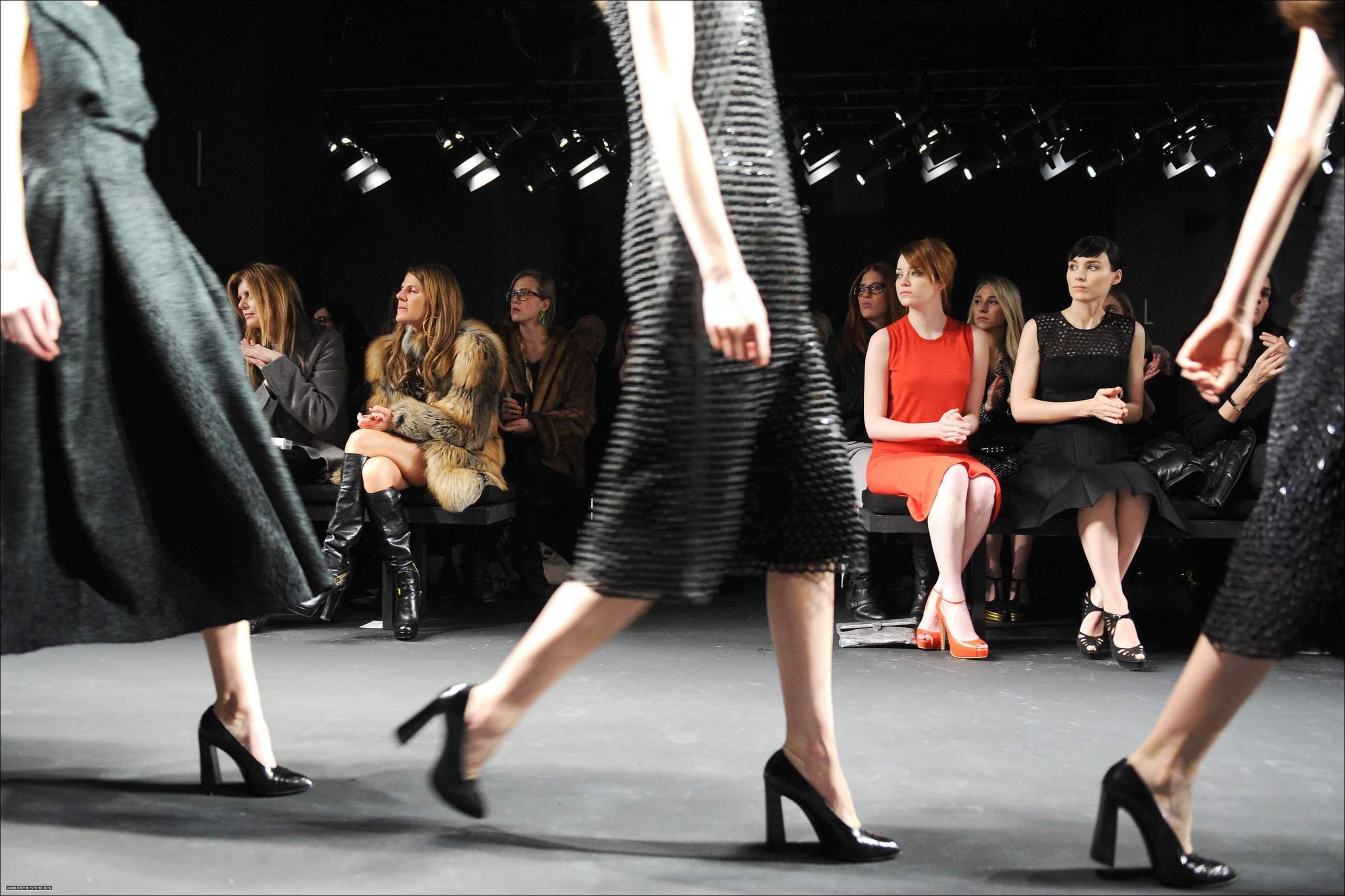 Mercedes-Benz-Fashion-Week-Fall-2012-Calvin-Klein-Collection-emma-stone-29364317-2560-1707