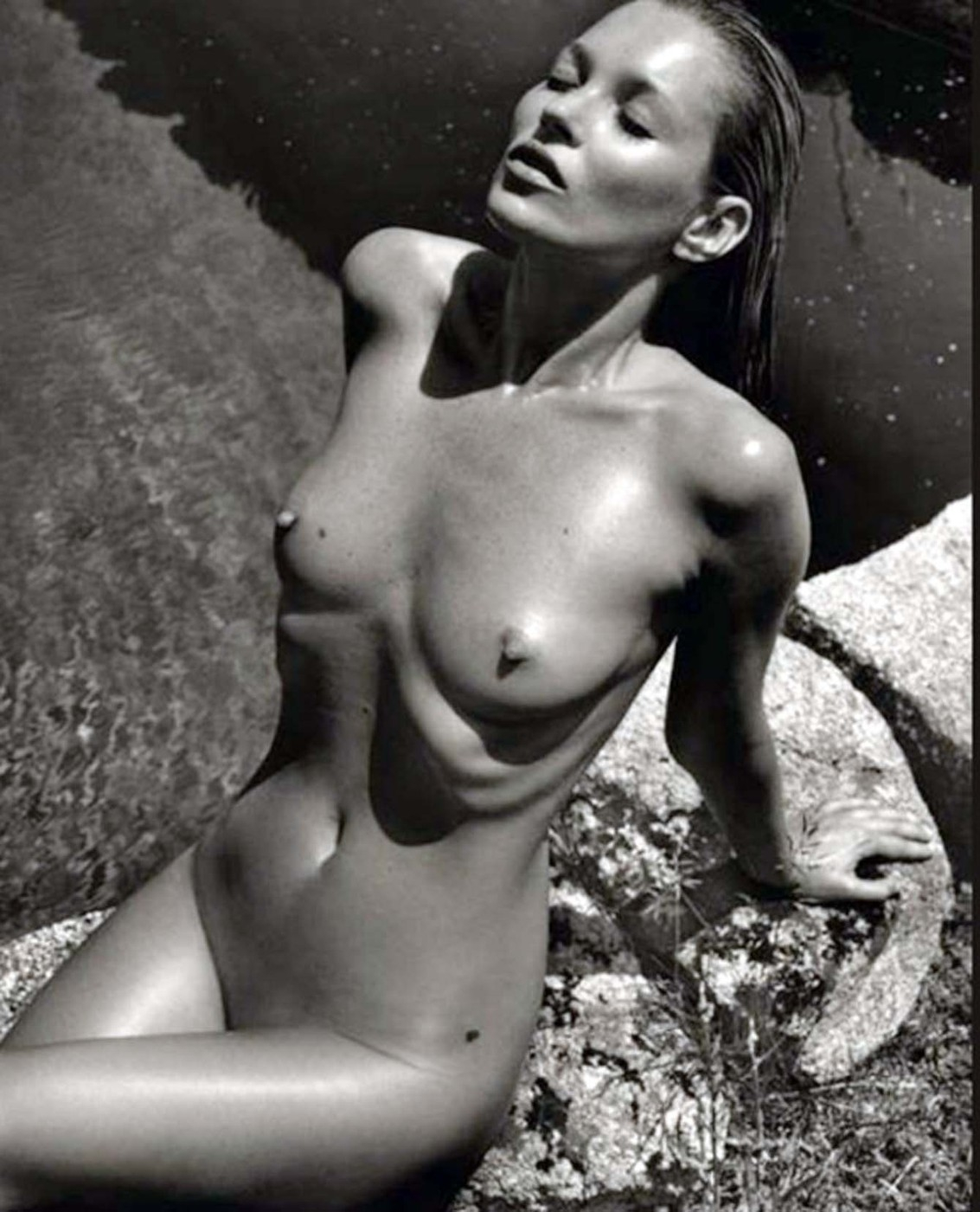 Sklenice ve tvaru ňadra modelky Kate Moss