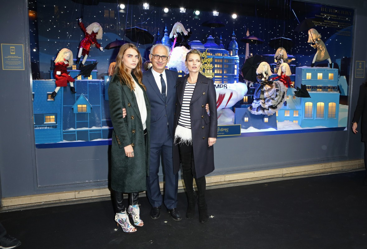Kate-Moss-and-Cara-Delevingne-unveil-_The-Magical-Christmas-Journey-by-Burberry_002