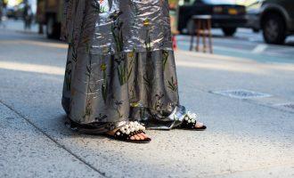 Žhavý trend: Jaké pantofle si musíte pořídit na jaro?