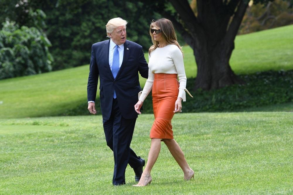 První dáma USA Melania Trump na své první zahraniční cestě. Jak jí zvládla stylově?