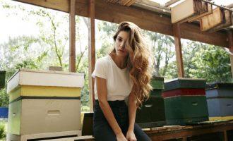 SOS: Jak se starat o vlasy v létě?