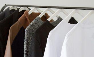 Zásady minimalistického šatníku, které vám usnadní život