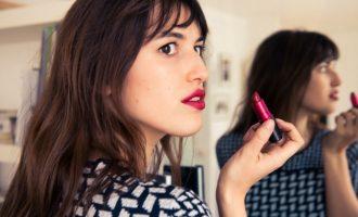 Make-up triky podle Francouzek: Jak na krásné a přirozené líčení