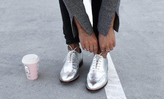 Chcete zazářit? Vsaďte na stříbrné a červené boty!