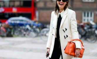 10 kousků, které si právě teď kupují všechny stylové ženy světa