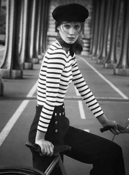 Ve dvacátých letech se stal podle serveru Frenchly symbolem  francouzské  nevinnosti  a v padesátých ho zase ráda nosila Marylin Monroe nebo Brigitte  Bardot. 5675246e89