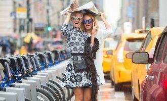 Trendy i navzdory počasí: Jak vypadat stylově i za deště?