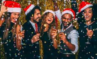 Jak se stylově obléct na vánoční večírek?