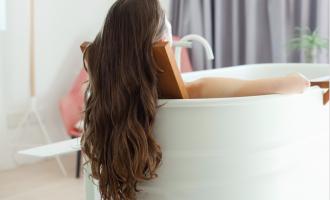 Inspirujte se přírodní vlasovou péčí, na kterou sází i Jennifer Aniston