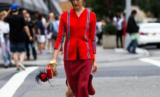 Monochromatické outfity: Jak se obléknout od hlavy až k patě v jedné barvě?