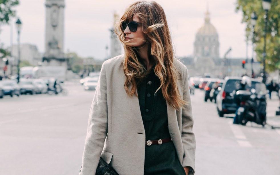 453c38337 Nezbytné kousky šatníku, díky kterým vylepšíte každý outfit – Iconiq.cz