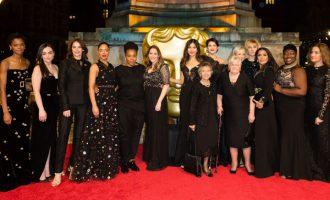 Outfity z BAFTA: Jakou message nesly šaty tentokrát?