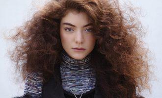 Jak si zamilovat nepoddajné vlasy?