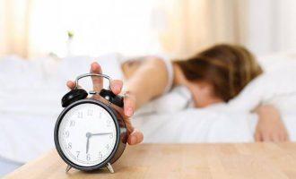 Co ovlivňuje kvalitu spánku? Jídlo, prostředí i vaše mysl!