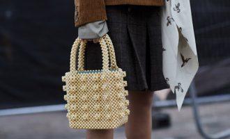 Must have: Korálková kabelka hlavním doplňkem léta
