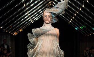 Couture Fall 2018: Co předvedly labely Dior, Giambattista Valli a další?