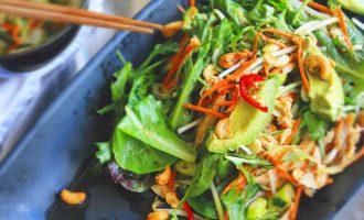 Saláty 2.0: Saláty, jež budete milovat celé léto