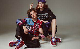 Luisa Via Roma X Versace: Chain reaction sneakers pro sběratele tenisek
