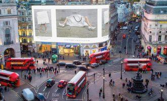 Victoria Beckham oslavila 10. výročí značky: Jakou message vyslala do světa?
